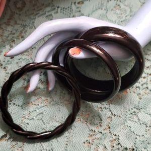 Black bracelet lot